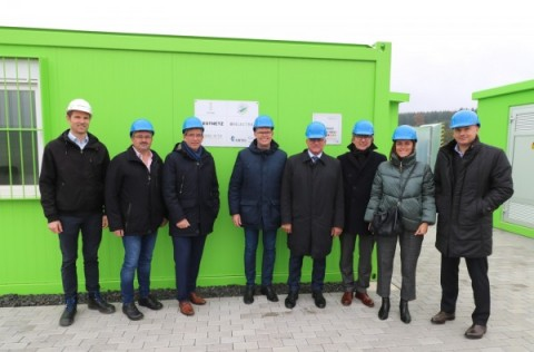 DESIGNETZ - Besichtigung des Lithium-Ionen-Batteriespeichers in Gödenroth